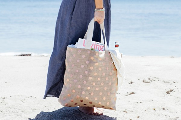 SomethingTurquoise_DIY-Honeymoon-Beach-Bag_banner