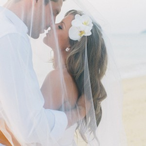 Beach-wedding-hair-featured