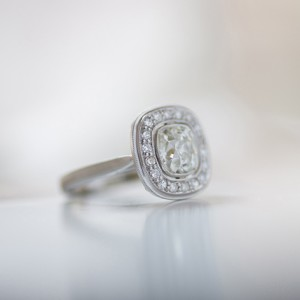 platinum-engagement-ring