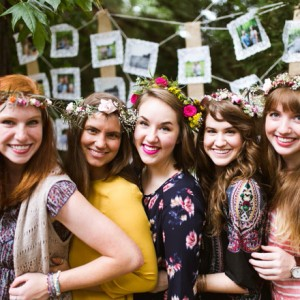DIY-boho-bridal-shower-flower-crown-bar_0001