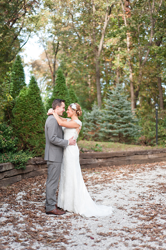 Beautiful christmas wedding portrait of the bride and groom!