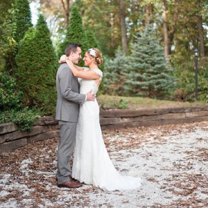 Holly&Tyler-Bride&GroomPortraits-33-featured