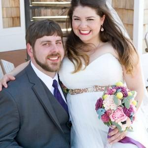 Bride-with-felt-wedding-bouquet-featured
