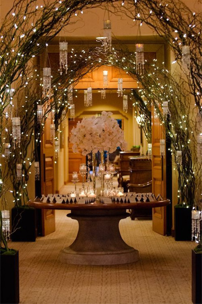 15 ways to decorate your wedding with twinkle lights for Wedding venue decoration ideas pictures