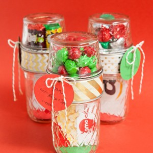 ST-DIY-Mason-Jar-Gift-Card-Candy-Holder_featured