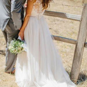 Gorgeous-wedding-dress-shot_featured