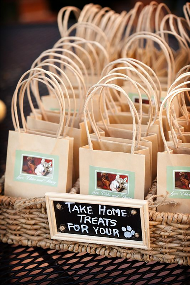 ... HOMAGE TO YOUR FUR CHILDREN BY SENDING HOME ?DOGGIE BAG? FAVORS