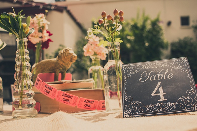 We're loving this fun, vintage carnival style wedding and gorgeous centerpieces!