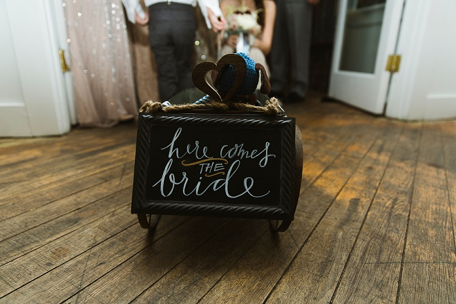 How darling is this here comes the bride wagon?! Love!