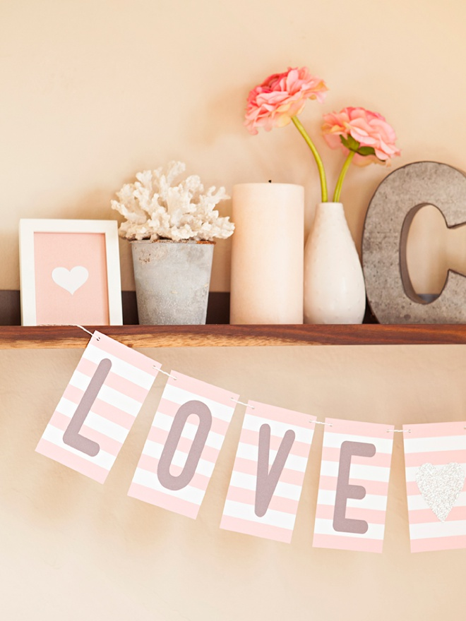 Adorable FREE printable alphabet banner, you can make it say anything you want!