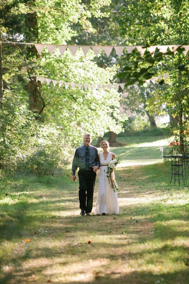 Nós amamos este casamento do quintal boho lindo!