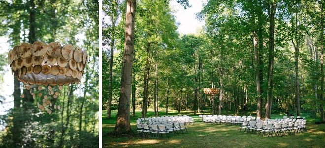Nós amamos esta boho configuração lindo casamento do quintal!