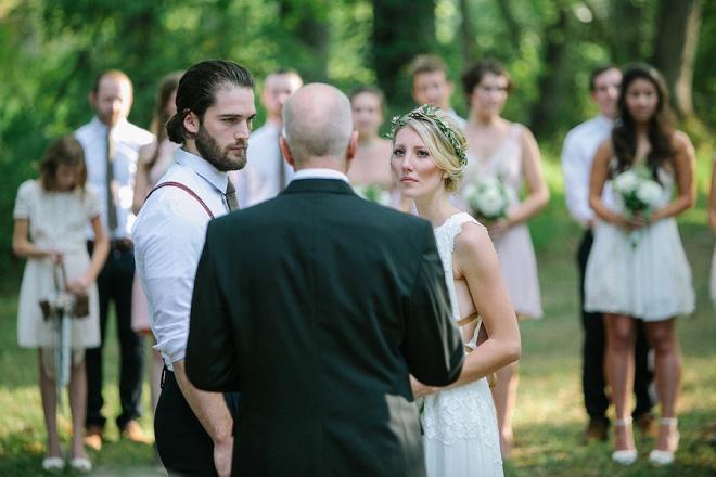 Estamos amando este cerimônia de casamento do quintal querida!