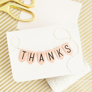 DIY-free-printable-mini-banner-featured