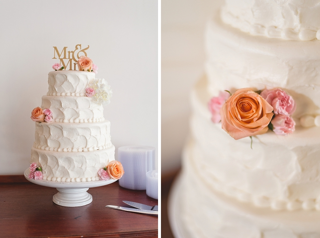 Loving this classic and gorgeous wedding cake and gold cake topper!