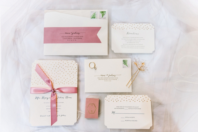 We're loving this invitation suite made by the Bride herself!