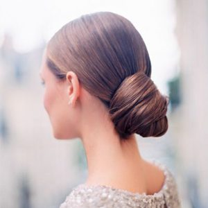 chic-chignon-wedding-hairstyle