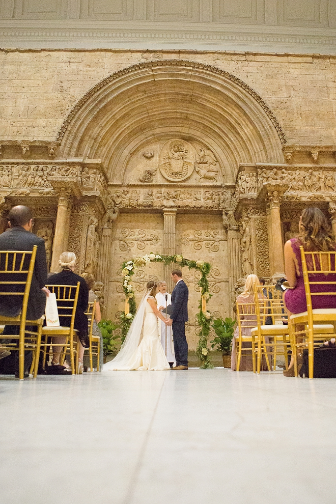 Loving this couples sweet classic ceremony!