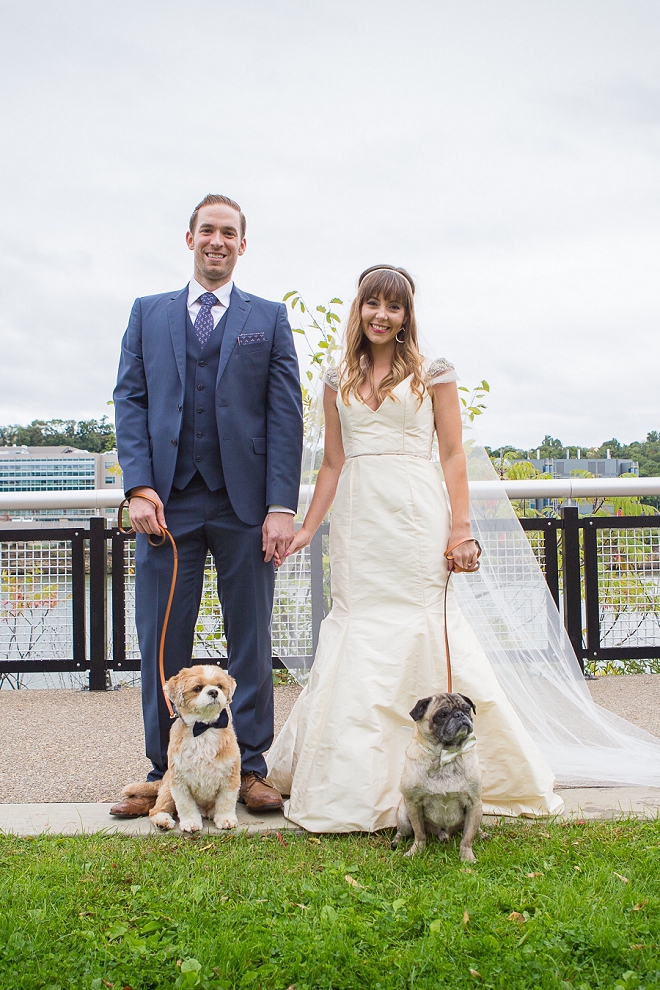 How darling is this Mr. and Mrs. and their pups?! Loving it!