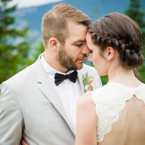 Loving this gorgeous Vancouver styled mountain affair!