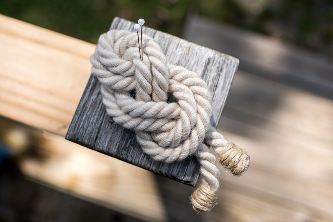 How great is this handmade rope boutonniere?! Handmade by the Bride!