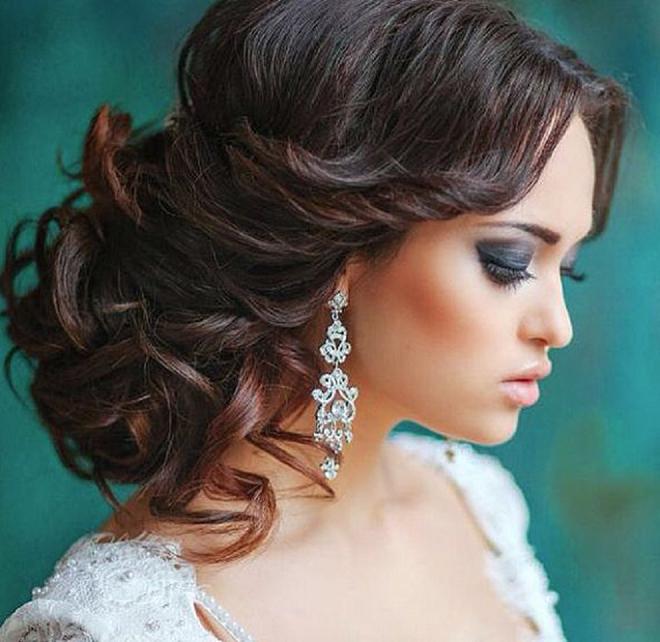Gorgeous vintage chandelier earrings!