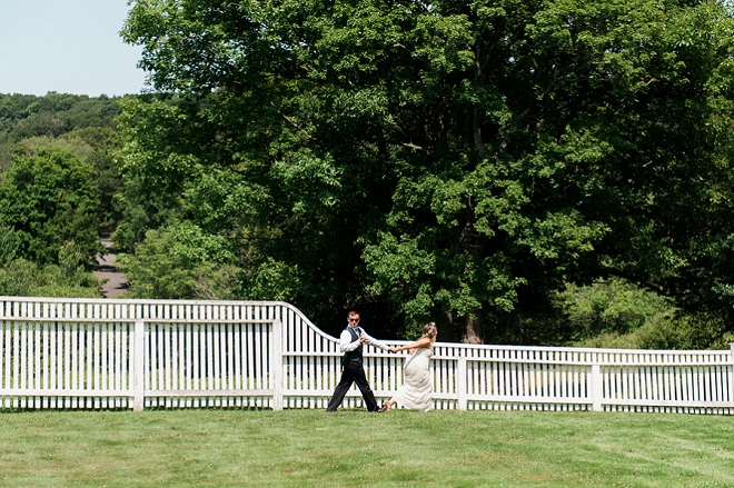 We can't stop laughing over this amazing shot of the Bride and Groom on their big day!