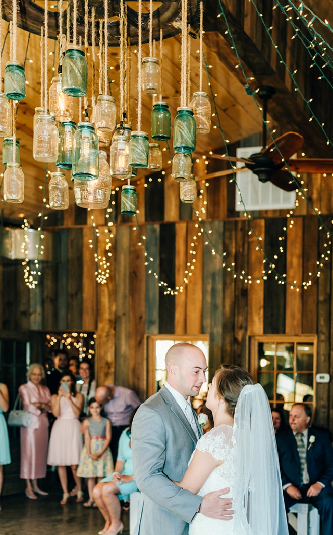 Swooning over this gorgeous wedding and this couple's super sweet first dance!