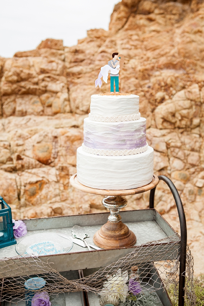 Learn How To Customize Your Own Wedding Cake Plate With Vinyl!