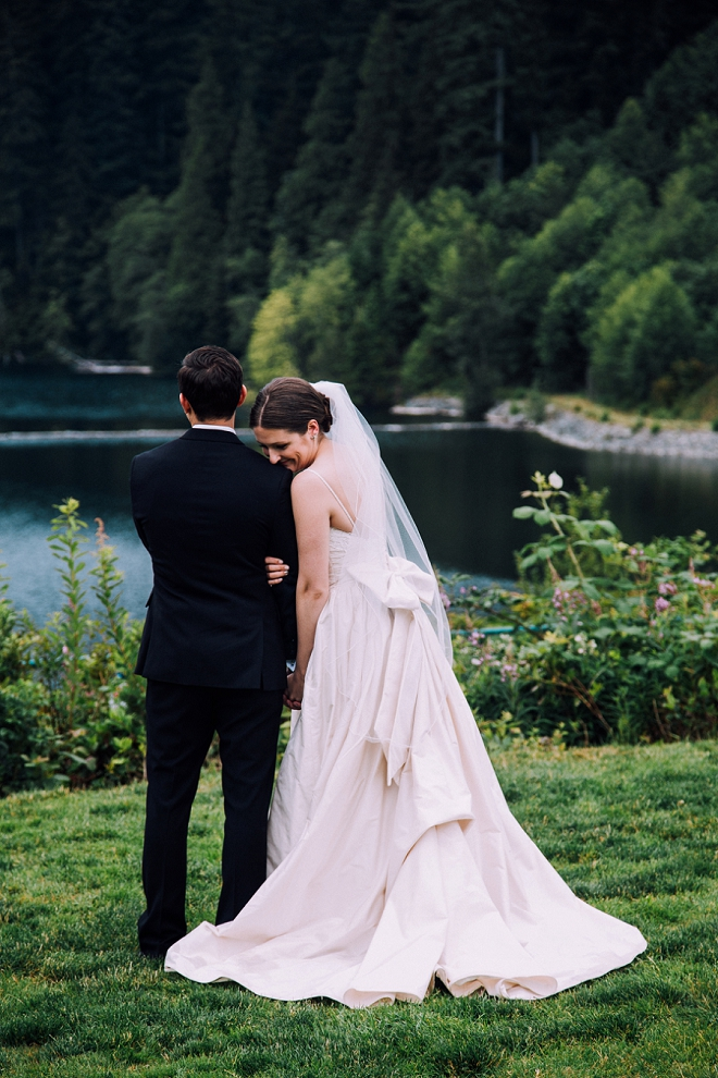 We are in LOVE with our bridal blogger Kendra's stunning backyard wedding!