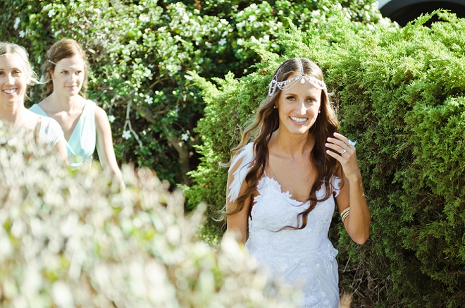 We're in LOVE with this Bride's stunning boho style and headpiece!