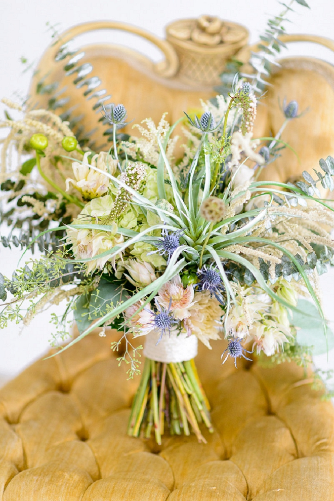 Holy bouquet! We're in LOVE with this amazing wedding bouquet!