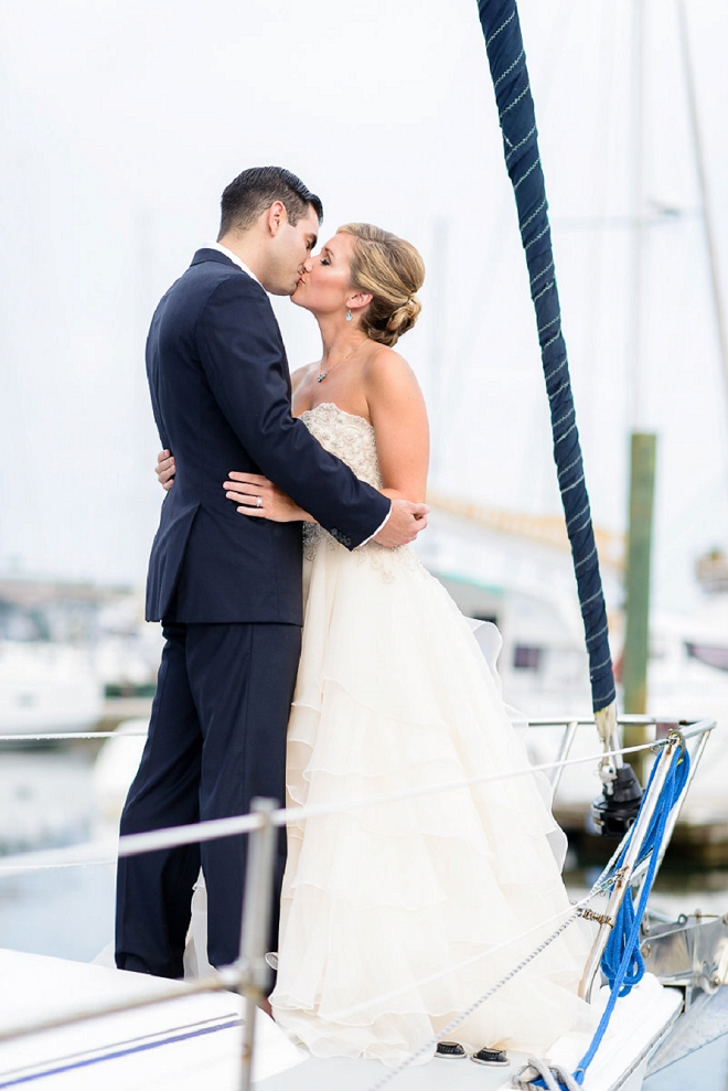 We're swooning over this stunning styled coastal wedding!