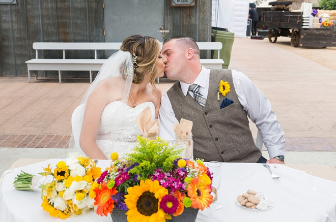 Sweet snap of the new Mr and Mrs at their darling sweetheart table!