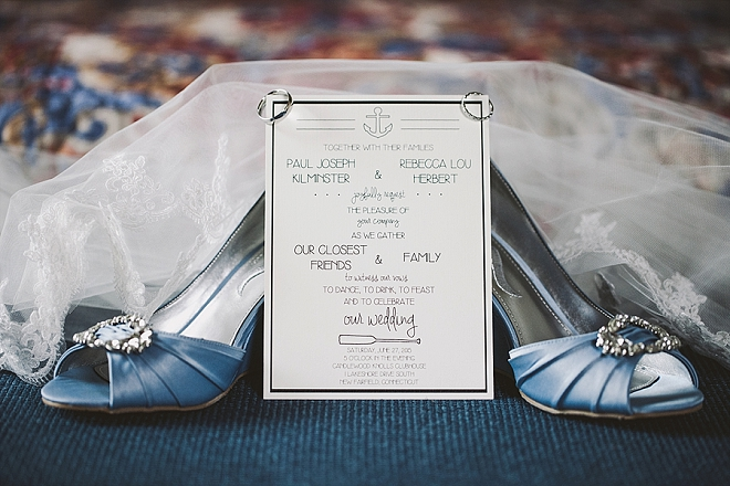 Gorgeous details for this rainy lakeside wedding!