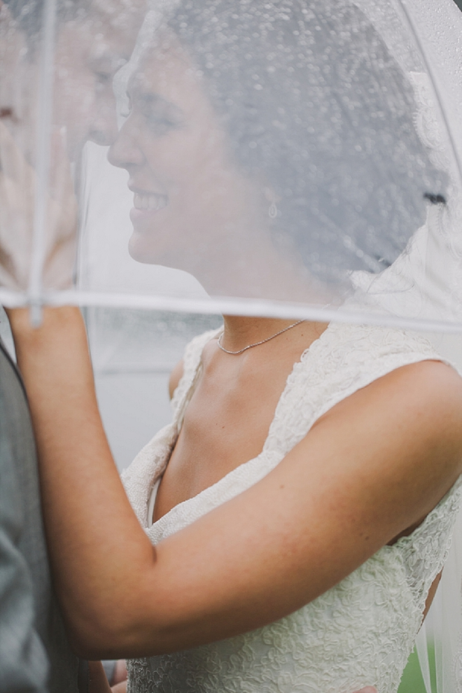 We're swooning over this stunning rainy lakeside wedding!