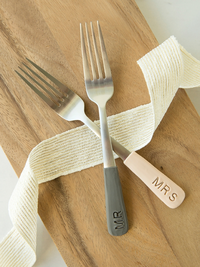 Learn how to make these adorable mr and mrs forks using oven-bake clay!