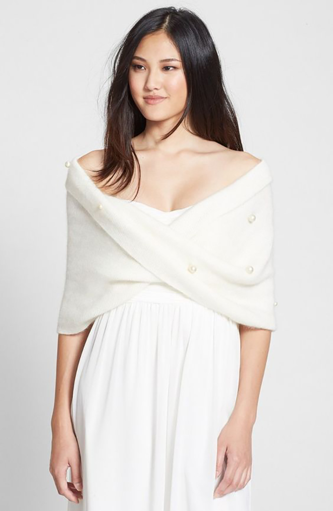 Knit stole adds a cozy element for a winter wedding.