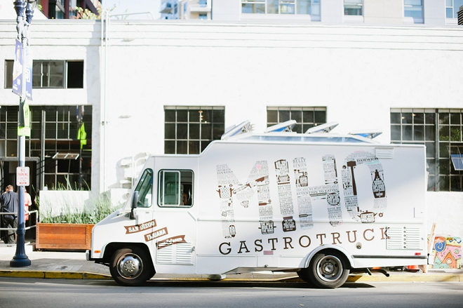 We love a wedding with a food truck reception!