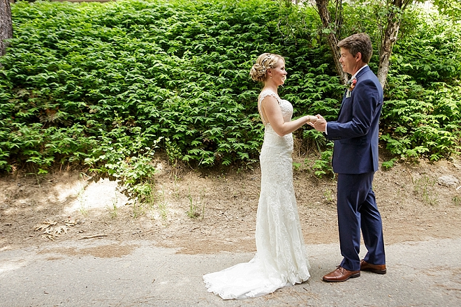 We're crushing on this darling couple's first look!