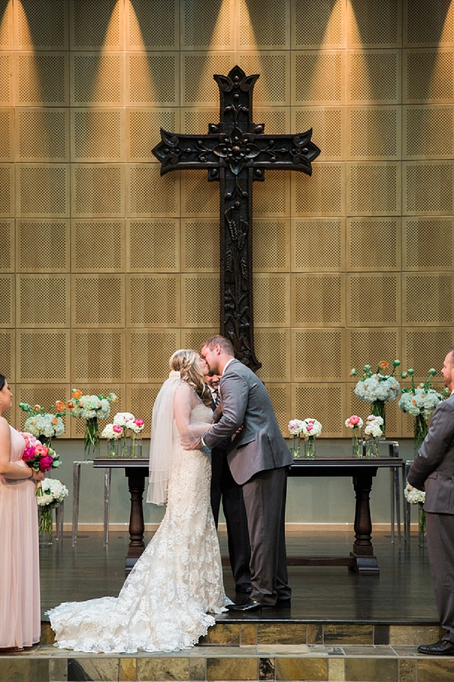 We love this snap of this couple's first kiss as Mr. and Mrs!