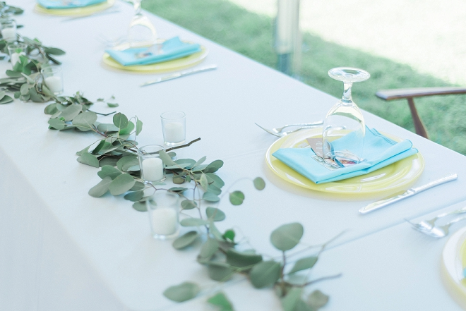 We love this simple and modern eucalyptus table decor!