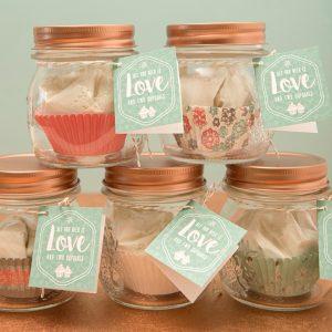 st-diy-two-cupcake-mix-favor-jars_0018