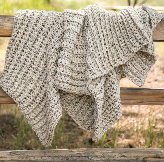 We're crushing on this super cozy and comfy blanket!