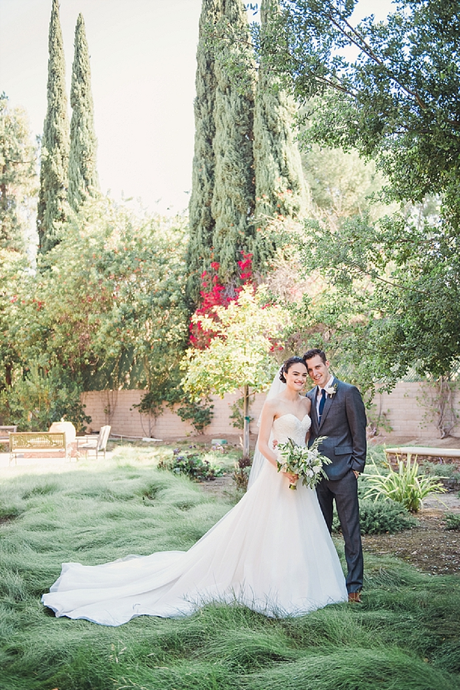 We're in Love with this darling couple's first look!