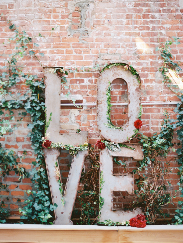Swooning over this stunning LOVE wedding signage!