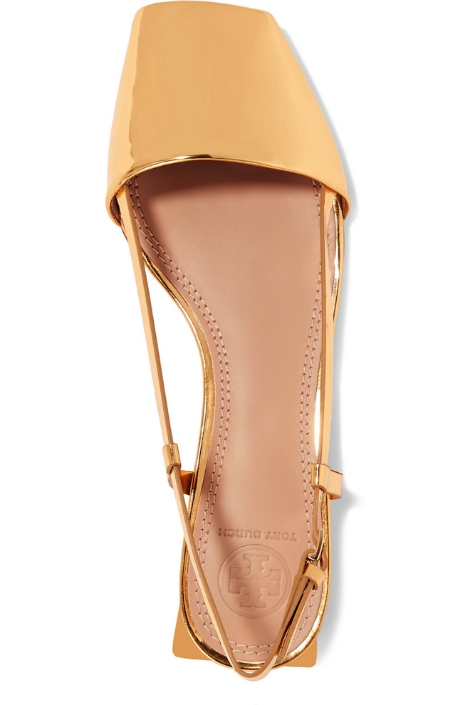 These gold flats are everything! Perfect for a bride to be or just the summer.