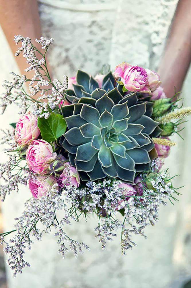 Such a gorgeous idea for an alternative wedding bouquet.