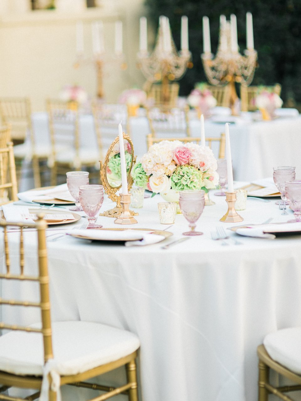 This pretty pink wedding is so cute!