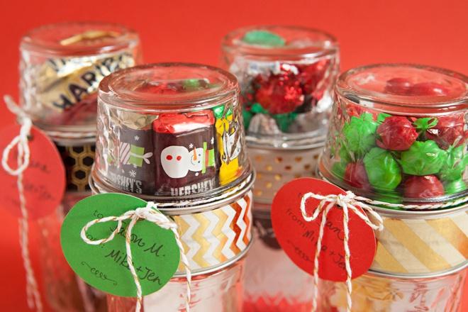 Awesome DIY gift card gift wrap idea, glue to mason jars together!